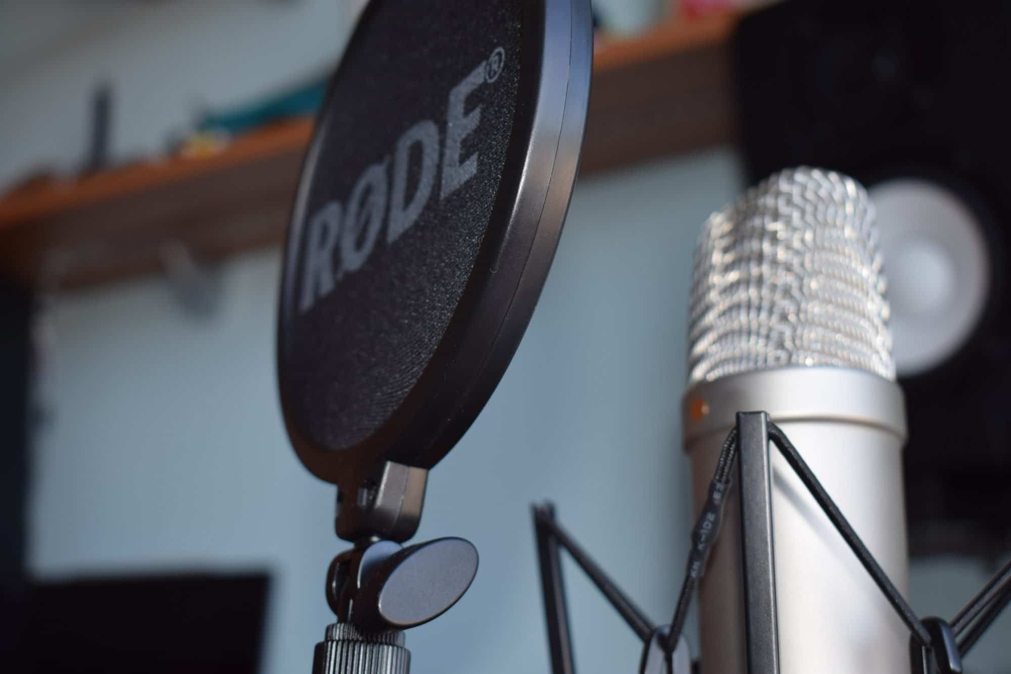 Rode NT1a on blur background in a croatian voiceover studio